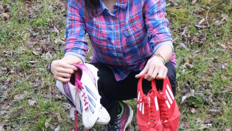 Lara Alemanni tauschte ihre Fussballschuhe gegen Nagelschuhe. jwi