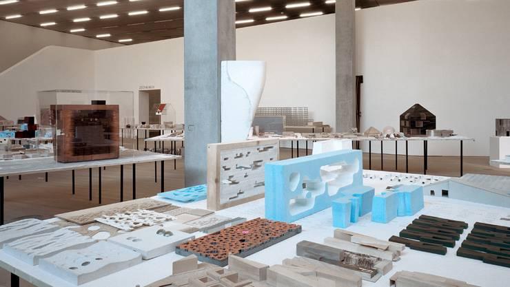 Arbeitsmaterial im Museum: Ausstellung im Schaulager 2004. A. Burger