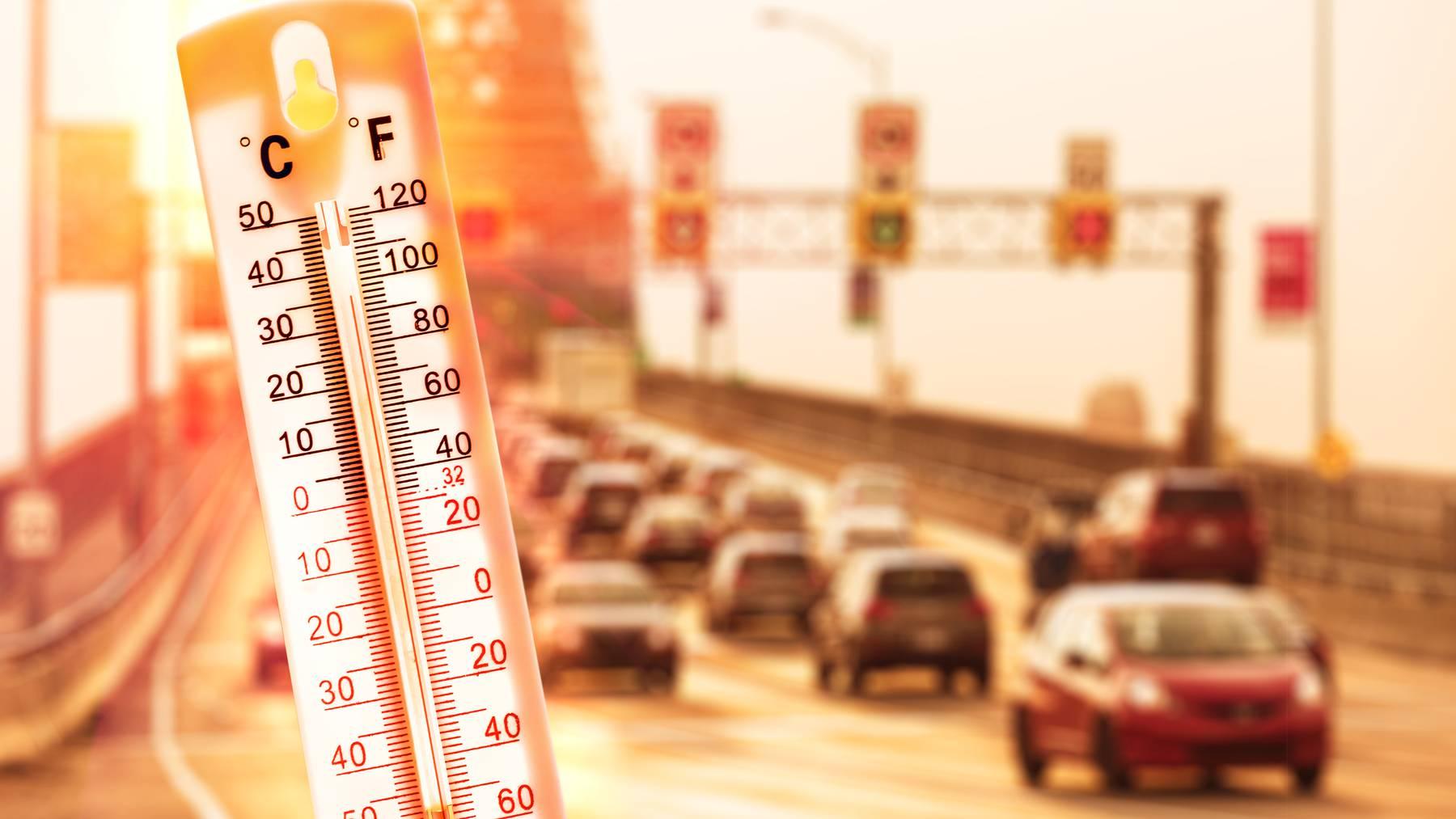 Mit diesen Tipps kühlst du dein Auto schnell wieder ab.