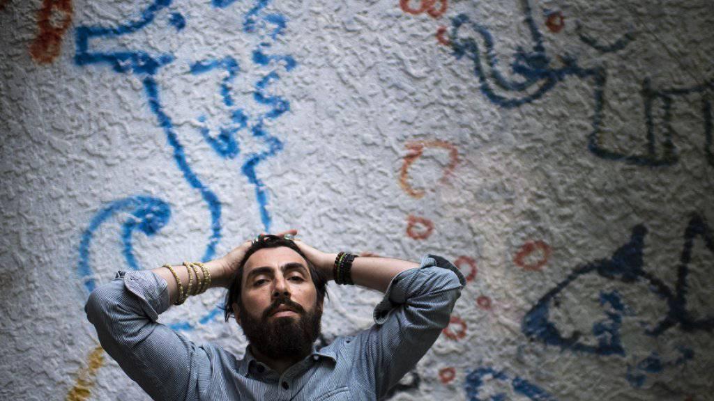 Er liebt die Musik, er lebt sie und leidet gleichzeitig darunter: Das Berner Singer-Songwriter-Talent ABU.