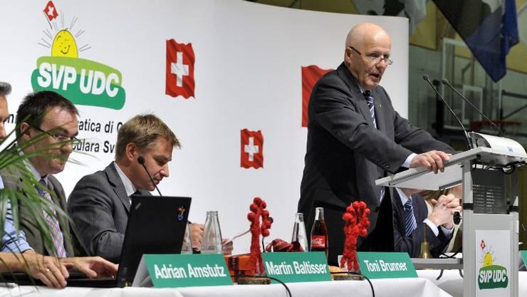 Der SVP-Kantonalpräsident begrüsste zum Sonderparteitag in Liestal.