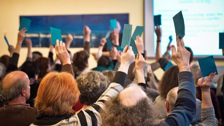 Widerstand gegen die Sparpläne bei der Volksschule: Die Aargauer Lehrerinnen und Lehrer stimmen für die Demonstration.