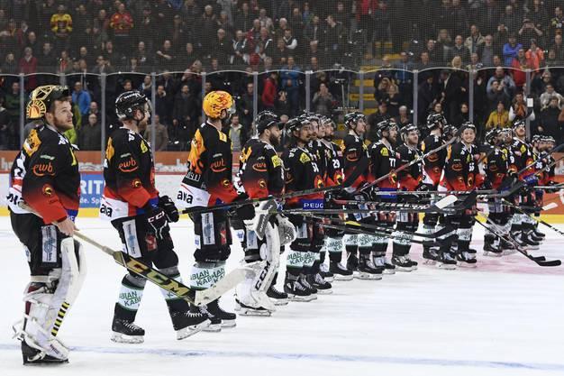 Die Berner bejubeln den Finaleinzug im ausverkauften Stadion.
