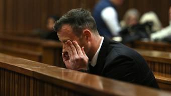 Das südafrikanische Verfassungsgericht hat den Berufungsantrag von Oscar Pistorius zurückgewiesen - er muss definitiv für 13 Jahre ins Gefängnis. (Archiv)