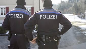 Die Kantons- und Regionalpolizei musste zwischen dem 24. und 26. Dezember über 60 Mal ausrücken. (Symbolbild)