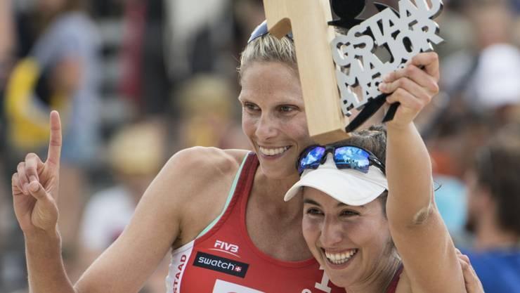 Sarah Pavan (links) und Melissa Humana-Paredes setzten sich im Berner Oberland gegen die Titelverteidigerinnen durch