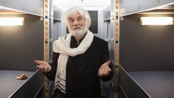"""Pfarrer Ernst Sieber im """"Pfuusbus"""". (Archivbild)"""