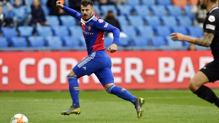 Albian Ajeti schiebt nach Vorarbeit von Valtenin Stocker zur frühen 2:0-Führung ein.