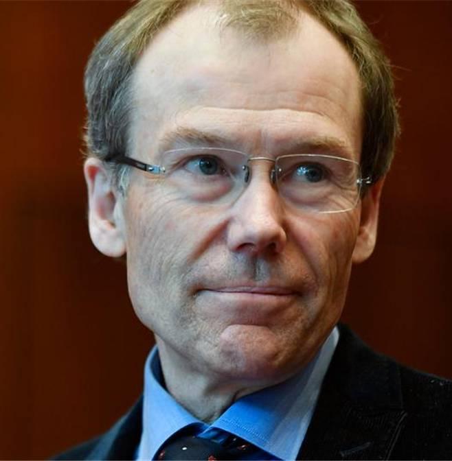 Gut entlöhnt: Ex-Raiffeisen-Präsident Johannes Rüegg-Stürm.