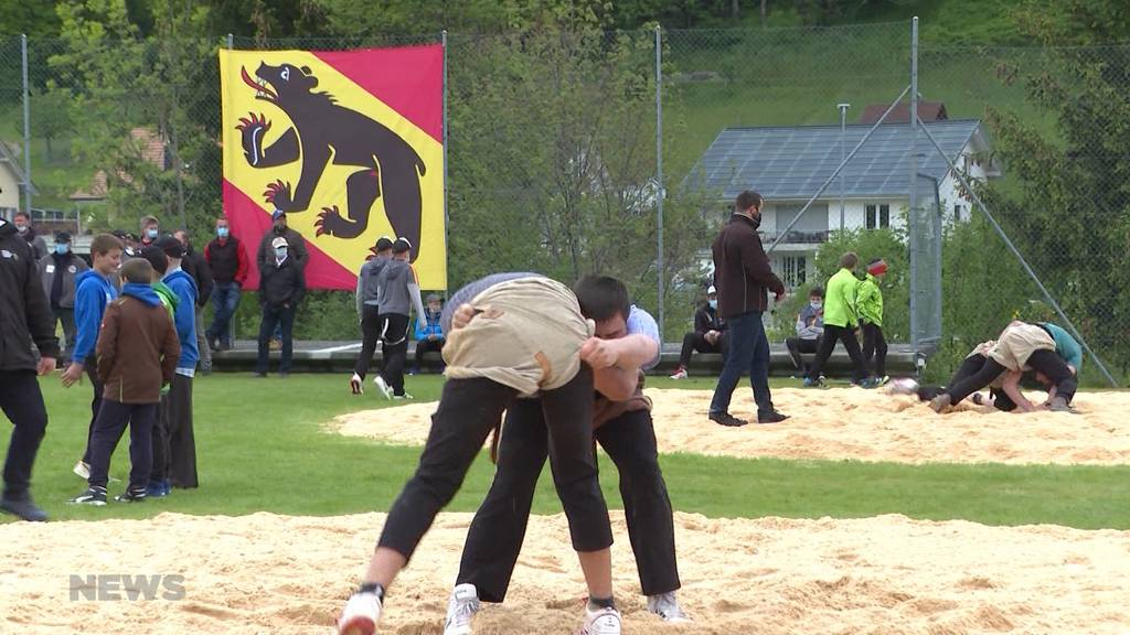 Nachwuchsschwinger messen sich in Ursenbach