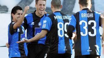 Die Atalanta-Spieler feiern ihren 4:1-Heimsieg gegen die AS Roma