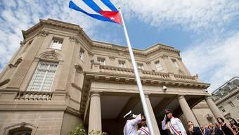 Die kubanische Flagge weht wieder vor der Botschaft in Washington
