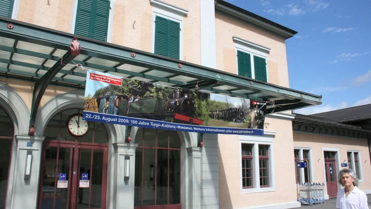 Historischer Bahnhof: Er soll belebt werden, aber nicht zulasten des Denkmalschutzes. (Bild: Walter Schwager)