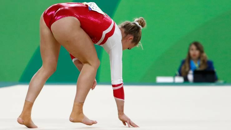 Nach einem Sturz bei ihrer Übung in Rio de Janeiro habe sie mit den Olympischen Spielen «am Boden noch eine Rechnung offen»,  sagt Steingruber (Bild: Keystone).