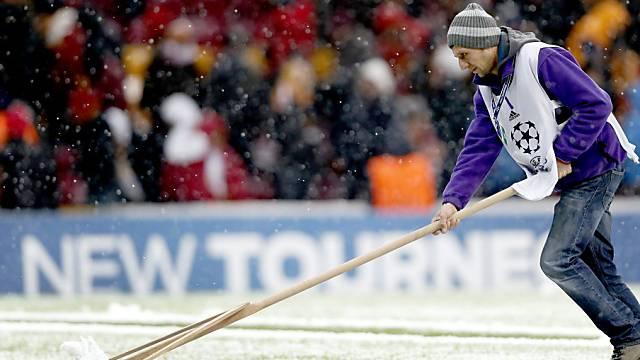 Heftiger Schneefall erzwang den Spielabbruch in Istanbul