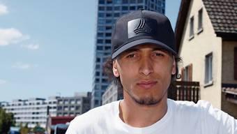 Auch beruflich will der Offensivakteur Hichem alias Isa Oudjouadj in der Schweiz glücklich werden.