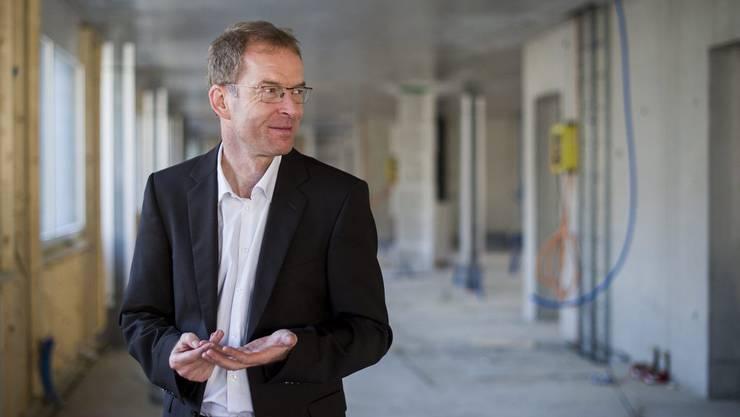 Stadtrat Daniel Leupi, Vorsteher des Finanzdepartements, spricht an der Medienkonferenz zu seinen ersten 100 Tagen