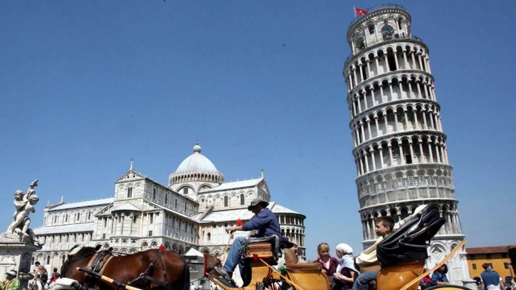 Schön schräg: jetzt ist auch das Geheimnis gelüftet, wer den schiefen Turm von Pisa seinerzeit zu bauen begonnen hat. (Archivbild)