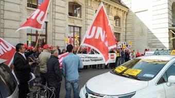 Der Uber-Konflikt führte schon zu mehreren Demonstrationen – auch hier beim Bahnhof in Basel.