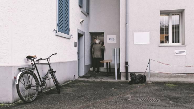 Noch führt Exit in den Räumen an der Hauptstrasse erst Beratungen durch, die Organisation würde hier aber gerne auch Menschen in den Tod begleiten.