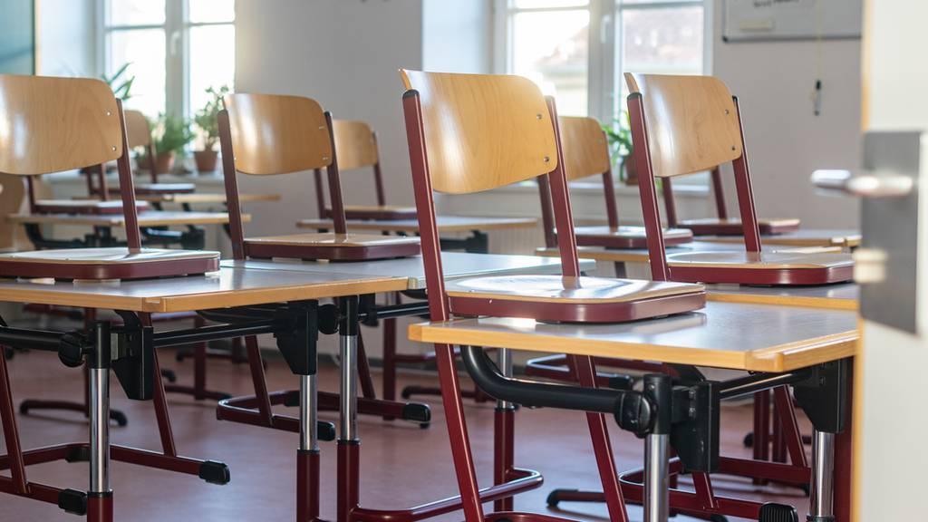 Schulen schliessen, Veranstaltungsverbot ist verlängert, Grenzkontrollen und finanzielle Unterstützung
