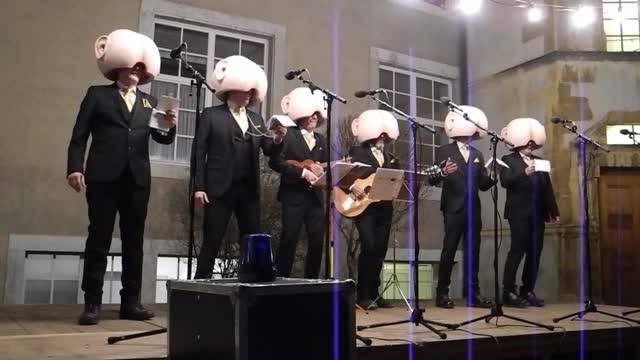 G.O.R.P.S am Höflisingen 2018 – am Schluss legen die sechs Männer ihre Masken ab und sagen Tschüss