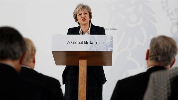 Theresa May demonstriert Härte.