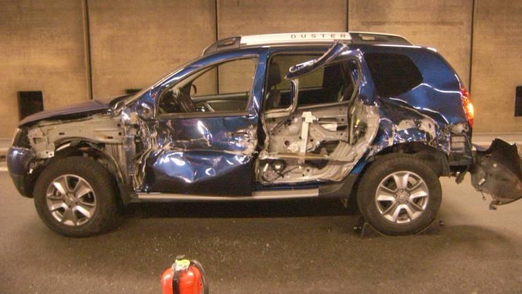 Das Unfallauto kollidierte seitlich mit einem korrekt entgegenkommenden Wagen.