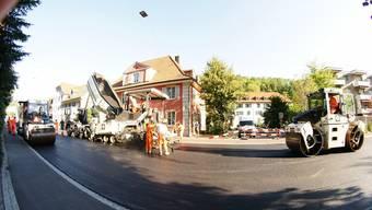 Am Wochenende ist auf der viel befahrenen Strasse in Baden ein lärmarmer Belag eingebaut worden. ZVG