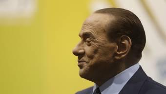 """Der italienische Ex-Ministerpräsident Silvio Berlusconi hat die Frau des neuen französischen Präsidenten Emmanuel Macron als """"bella Mamma"""" bezeichnet. (Archivbild)"""