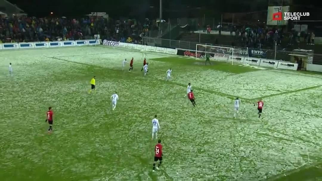 Challenge League, 2018/19, 32. Runde, FC Aarau – FC Lausanne-Sport, 71. Minute: Schuss von Stefan Maierhofer.
