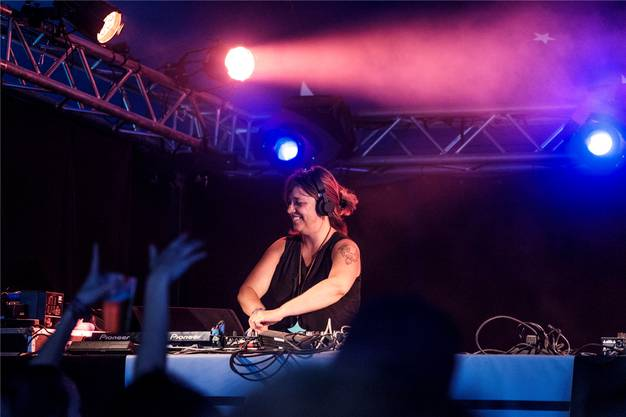 Die DJs gaben ihr Bestes, toben mochte das Publikum nicht.