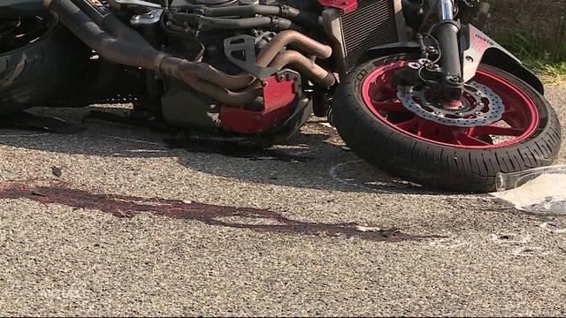 22-jähriger Töfffahrer erleidet schwere Kopfverletzungen
