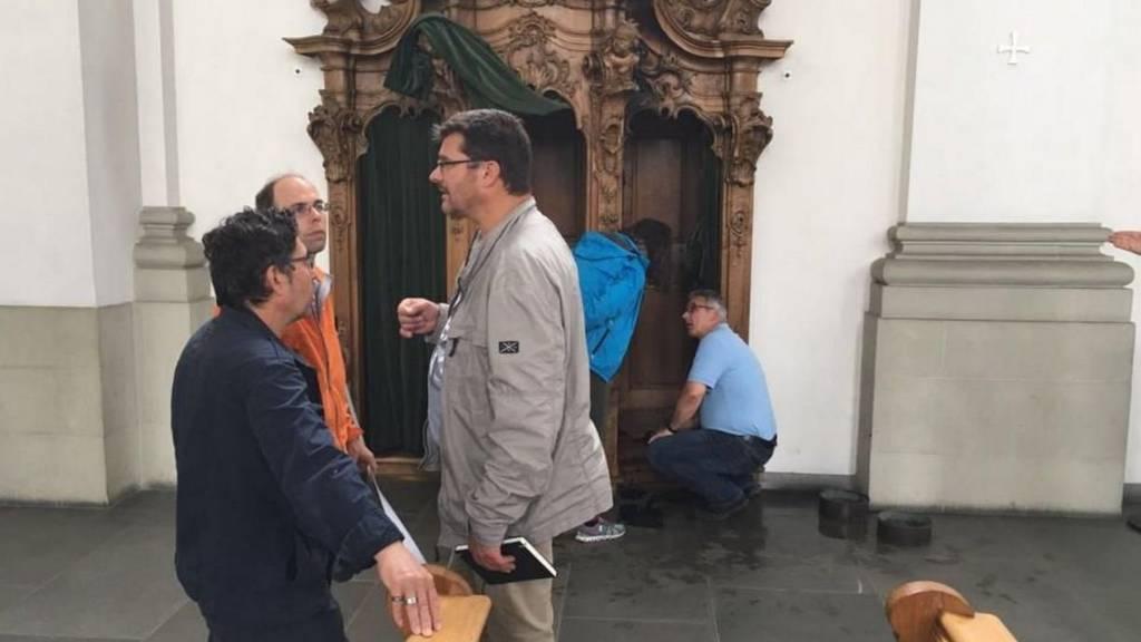 Ein ungewöhnlicher Fall für die Ermittler: In der Kathedrale ging der Beichtstuhl in Flammen auf.