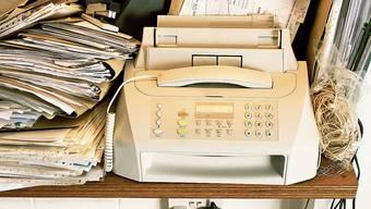 Wo noch ein Faxgerät in einem Büro vorhanden ist, steht es meist unbenutzt herum.
