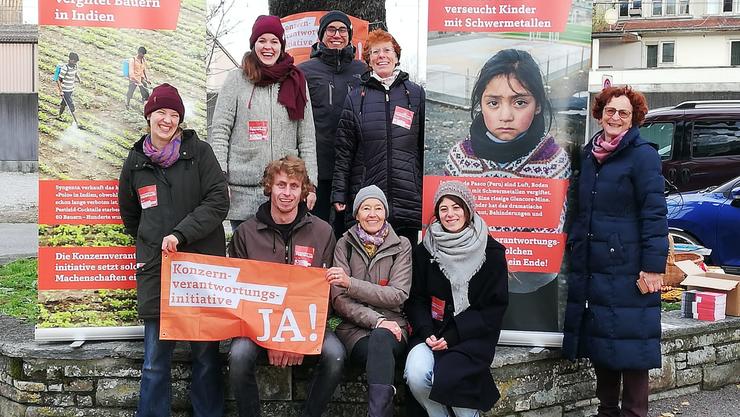 Die Freiwilligen des Lokalkomitees sammelten allein in Muri 150 Unterschriften