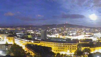 12. September 2011, 6 Uhr (Webcam switch.ch)