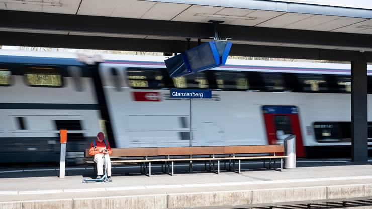 Der letzte Schritt zurück zum alten Fahrplan ist gemäss den SBB am Montag gut angelaufen. (Symbolbild)