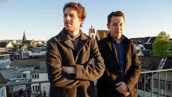 Daniel Häni (rechts) und Philip Kovce – hier auf dem Dach des «Unternehmens Mitte» – haben ein Buch zum bedingungslosen Grundeinkommen verfasst. Sie erhoffen sich nun eine grosse Debatte.