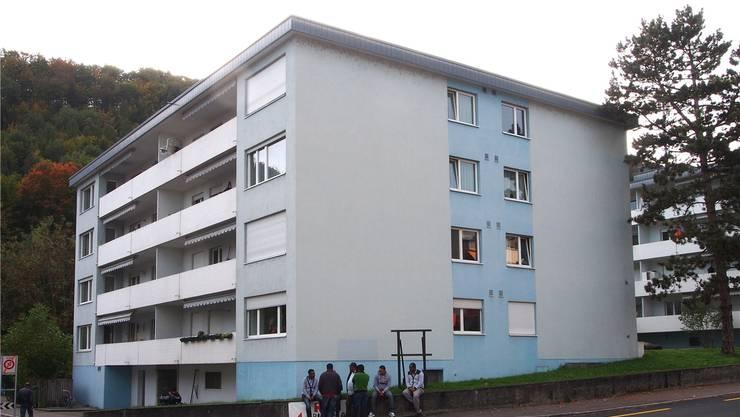 In diesem Haus in Trimbach geschah das Verbrechen vor zweieinhalb Jahren. Der Messerstecher verliess den Tatort über den Balkon im ersten Stock.