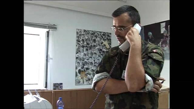 Einsatz im Krieg: Ein Kamerateam der «Rundschau» besuchte Dieter Wicki, damals Chefplaner der Untso, 2006 im Südlibanon.