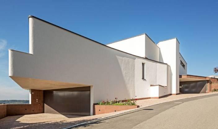 Für Luxus-Verhältnisse von aussen fast etwas unscheinbar: Diese Immobilie in Zofingen bietet und kostet mehr als man vermuten würde.