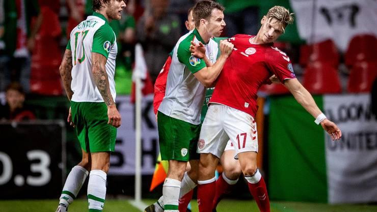 Die Stärke der Iren? Das Toreschiessen eher nicht, dafür sind sie für ihre Fighter-Qualitäten bekannt – wie hier Captain Seamus Coleman im Spiel gegen Dänemark