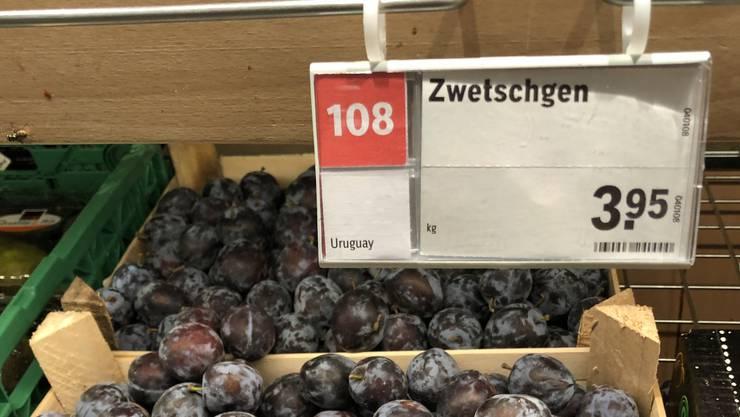 In Coop Supermarkt Solothurn Westring wurden am Samstag für kurze Zeit Zwetschgen aus Uruguay verkauft.