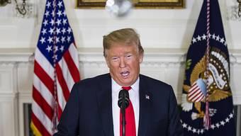 Hält an seiner Forderung über 5,7 Milliarden Dollar für den Bau einer Mauer an der Grenze zu Mexiko fest: US-Präsident Donald Trump.