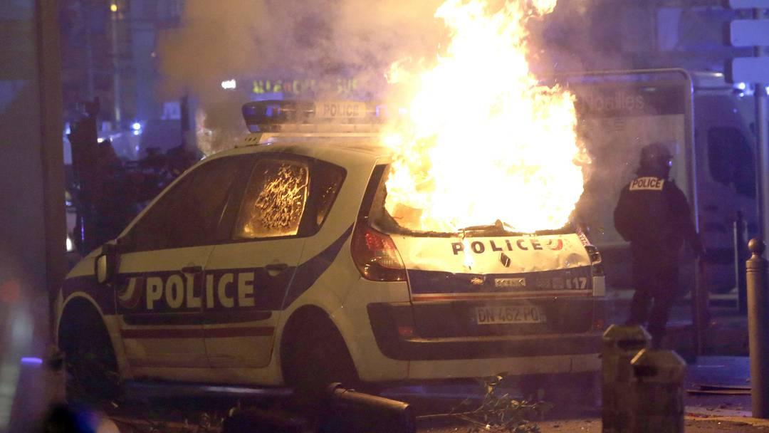133 Verletzte und 400 Festnahmen in Paris