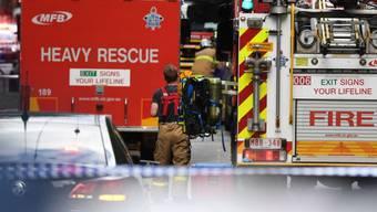 Zahlreiche Rettungskräfte am Tatort in Melbourne.