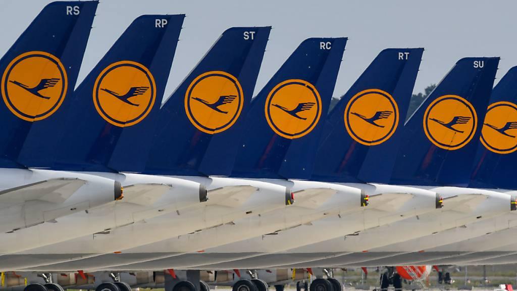 Die eigenen Lounges der Lufthansa an den Flughäfen Bremen, Dresden, Köln/Bonn, Leipzig, Nürnberg und Delhi fallen den Sparmassnahmen des krisengeschüttelten Konzerns zum Opfer. (Symbolbild)