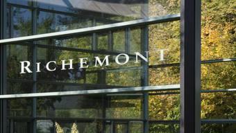 Der Luxusgüterkonzern Richemont hat im Geschäftsjahr 2017/18 dank gestiegener Nachfrage nach Uhren und Schmuck wieder leicht zulegen können. (Archiv)