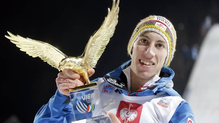 Der Tourneesieger, der aus dem Nichts kam: Thoams Diethart mit dem Sieger-Adler.
